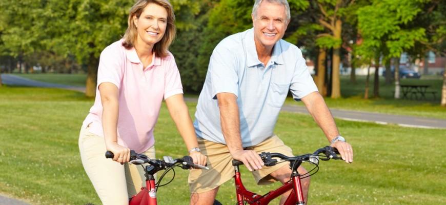 Adult-couple-biking-on-path.jpg